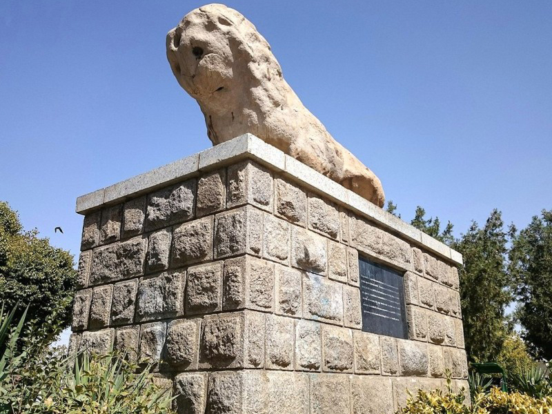 statue-of-lion