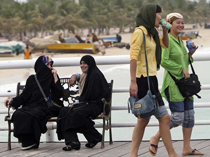 tourists-in-iran